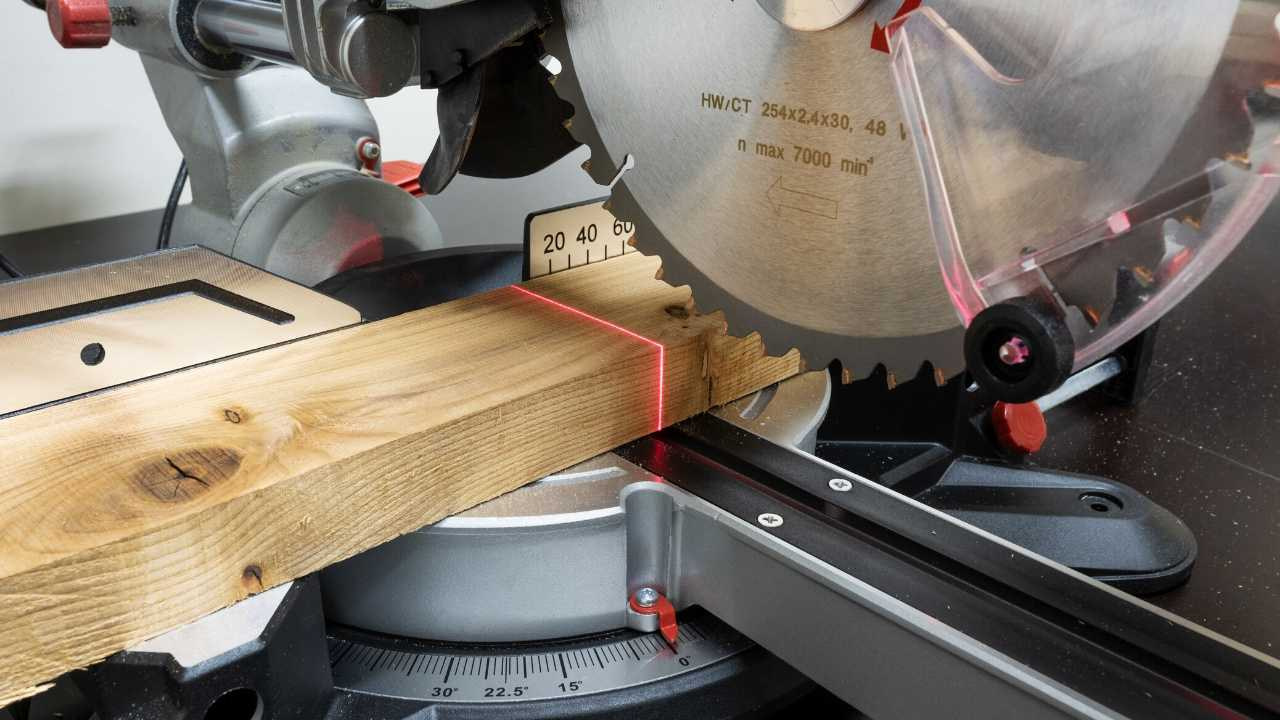 Can a 10 inch miter saw cut a 4x4