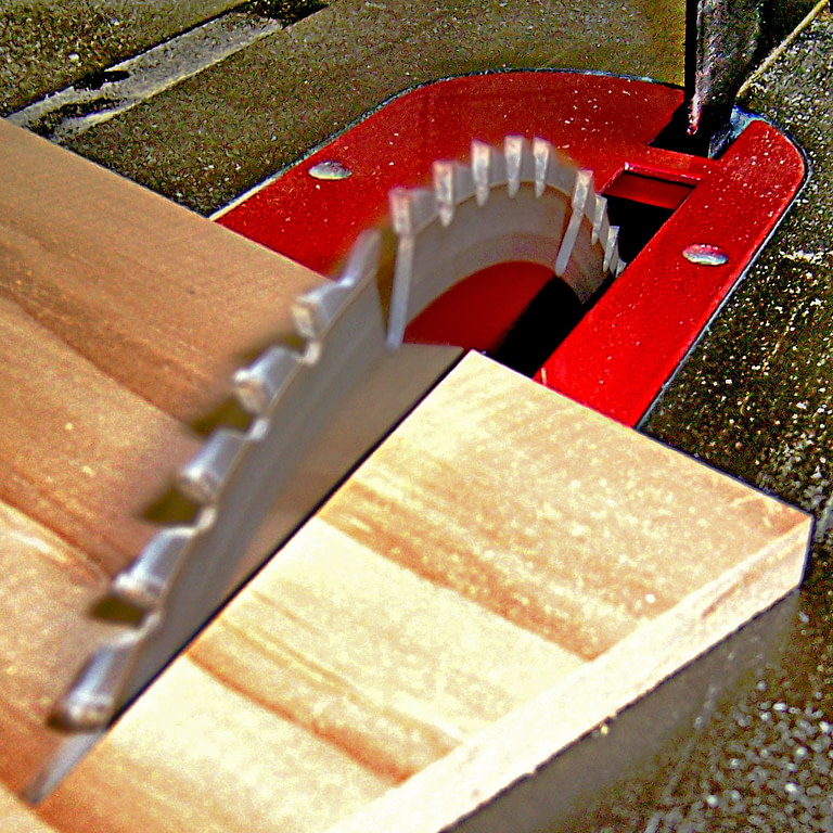 Can You Use A Table Saw On The Ground?