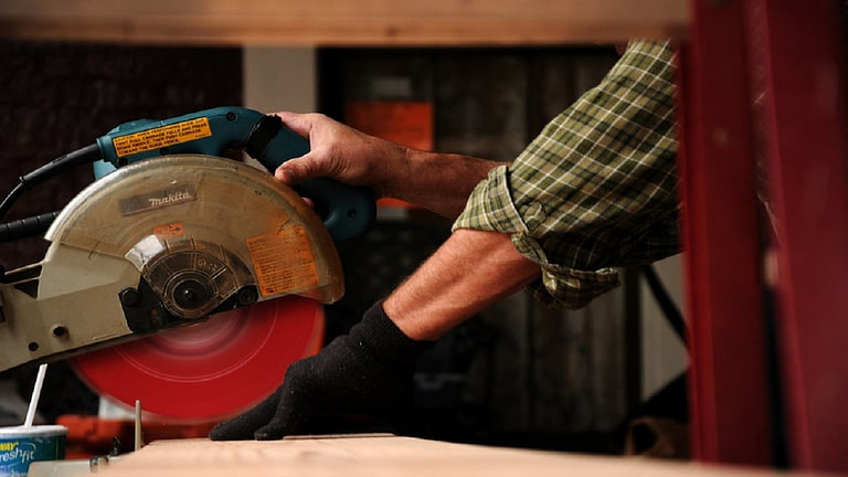 Best Miter Saws 2021: Reviews & Guide That Wins Customers