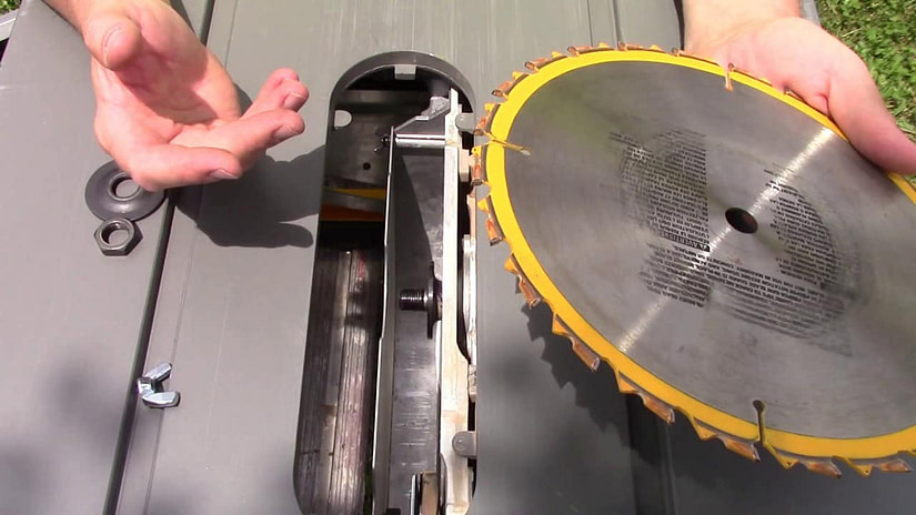 Changing blades and inserts blade